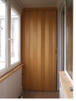Дверь гармошка складная в интерьере